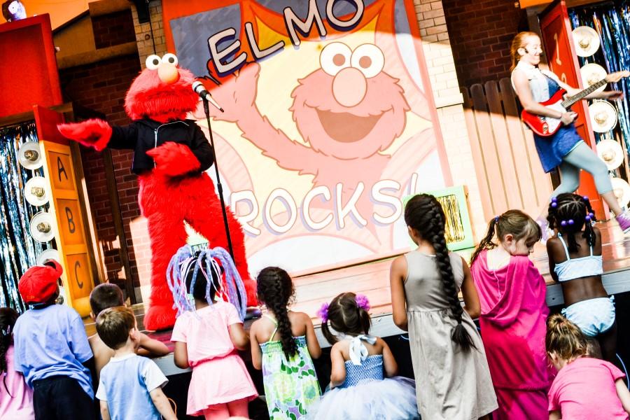 elmo rocks
